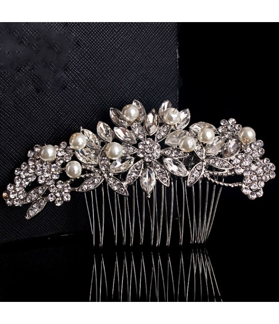 Prachtige haarkam met strass en parels - The Beautiful Bride Shop
