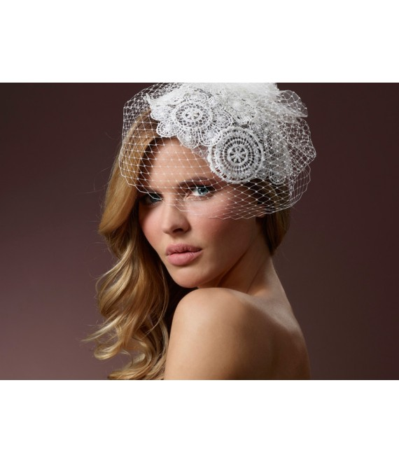 Fascinator met kant BB-386 Poirier - The Beautiful Bride Shop