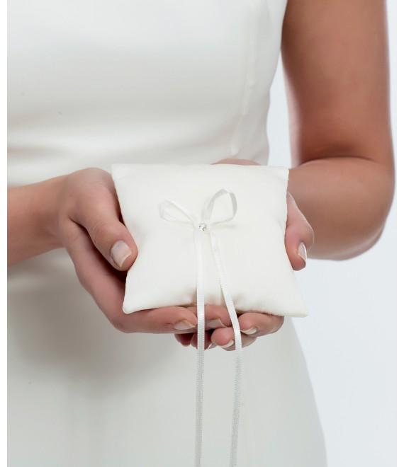 Ringkussen van satijn met Swarovski kristal BBCK4 - The Beautiful Bride Shop