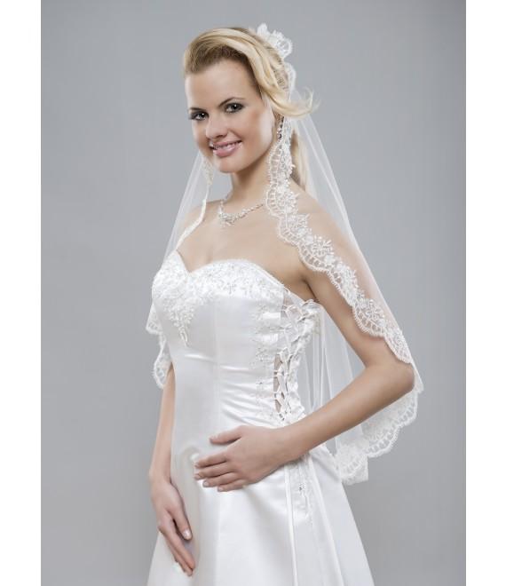 Prachtige sluier van kant met een rand van zilverdraad - The Beautiful Bride Shop