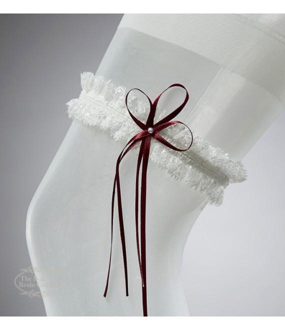 Kousenband in ivoor met rode strik en parel - The Beautiful Bride Shop