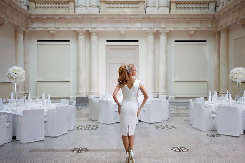 grootste collectie bruidsaccessoires gratis verzending bruidsjurk begonia van bianco evento. Black Bedroom Furniture Sets. Home Design Ideas